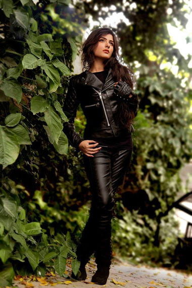 Leather-jackets-for-women-pics-2014-niceiran.ir-08