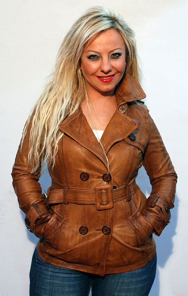 Leather-jackets-for-women-pics-2014-niceiran.ir-09